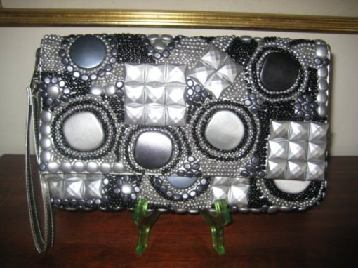 Omni's Black and Silver Clutch