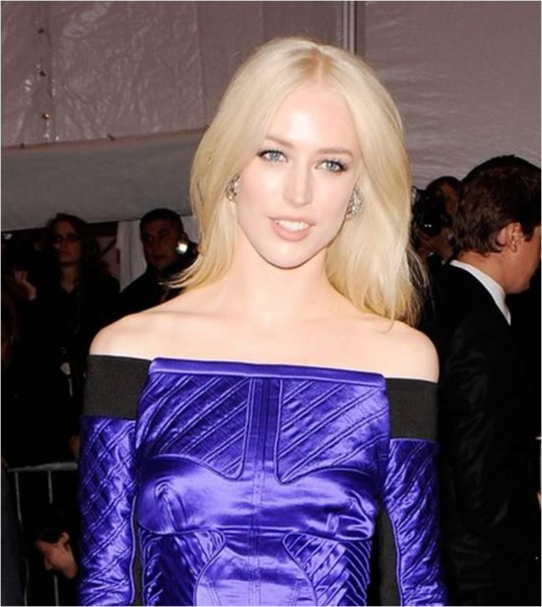 http://fashionthreads.files.wordpress.com/2010/02/raquel-zimmerman-blonde-bombshell.jpg